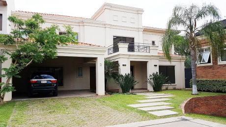 Vendo Hermosa Residencia En Condominio.