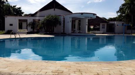 Casa En Condominio Privado || C: 270 M2 T: 330 M2 || $us 175.000.-