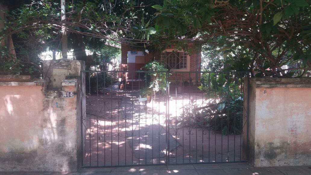 Terreno Con Casa A Demoler En B° Mburucuya