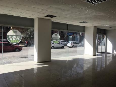 Excelente Local Comercial En Pocitos Nuevo