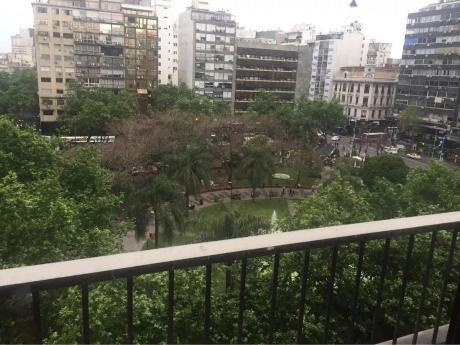 Frente A Plaza Del Entrevero