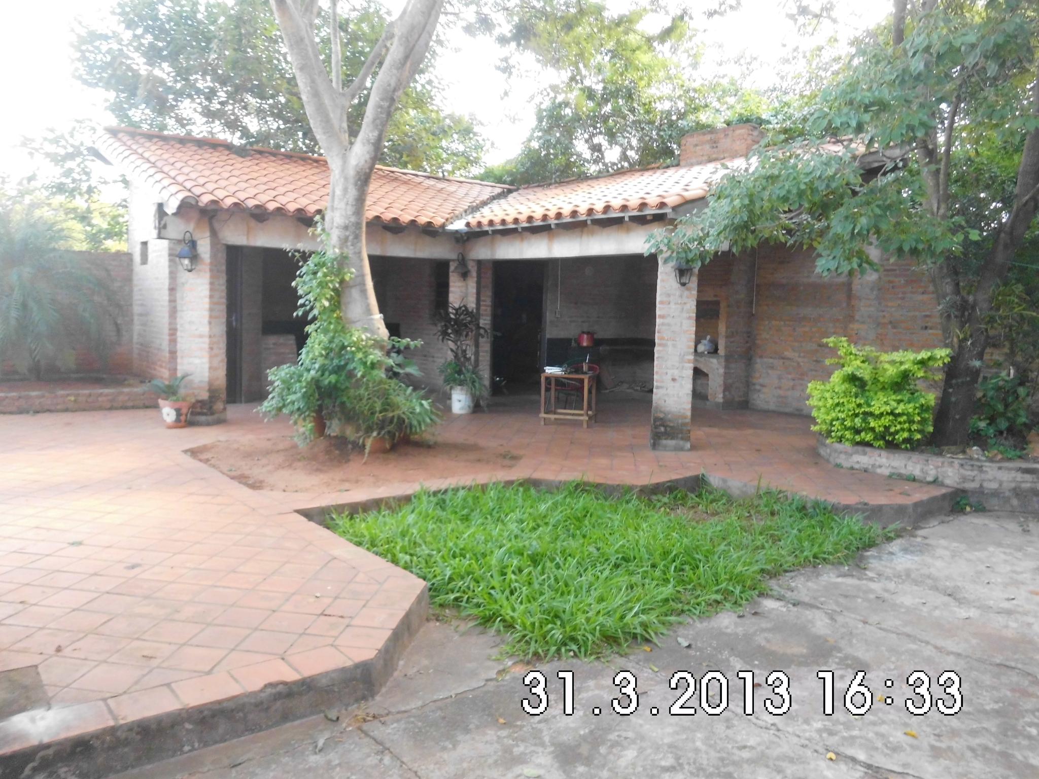 Vendo Casa En San Lorenzo A 100m De Calle Asfaltada
