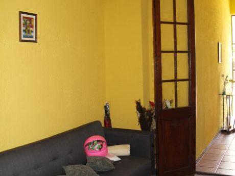 Linda Casa En Parque Batlle.