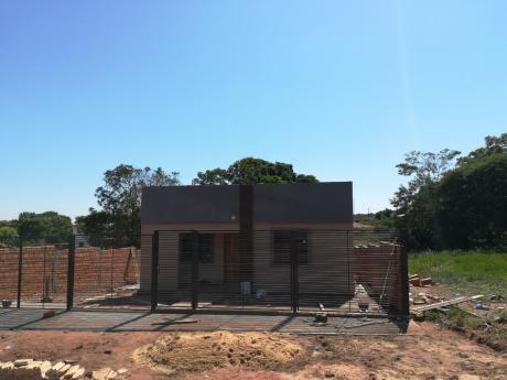 Vendo Hermosa Casa A Estrenar En Villa Elisa, Zona Petropar
