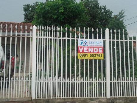 Vendo Casa Con 5 Dorm. En San Lorenzo Zona Dr. Pellon (calle'i)