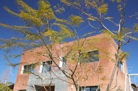 Sunny 4 Bdrm House Barrio Los Olivos