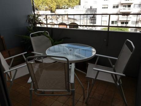 Apartamento Duplex A Pasos Rivera,3 Dorm, 2 Baños, Muy Bueno
