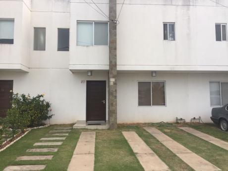 Casa En Anticretico En Condominio Zona Norte