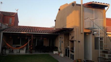 Bella Casa De Lujo En Condominio Privado