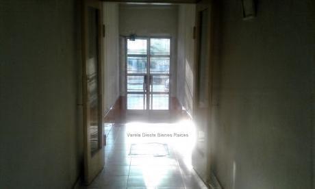 Venta Apartamento Dos Dormitorios En Brazo Oriental 75000