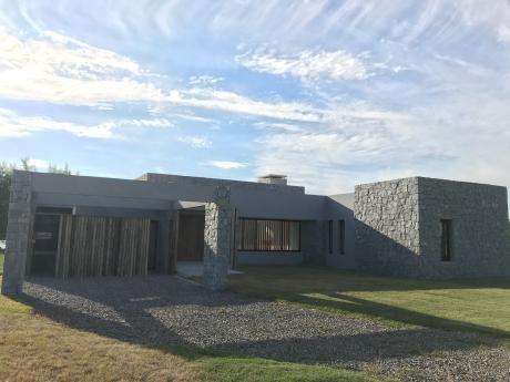 Hermosas Casas A Estrenar En La Tahona. Consulte