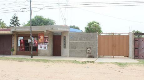 Amplia Casa En Venta En Zona Radial 10