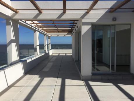 Apartamentos En Venta - Edificio Azul De La Playa
