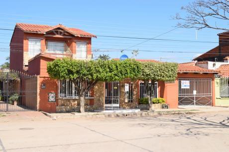 Casa En Venta, Zona Sur - Barrio España 7mo Y 8vo Anillo