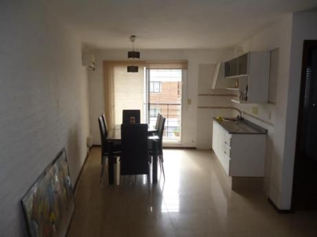 Imperdible! A 300m De Av. Italia, Gc: $2200