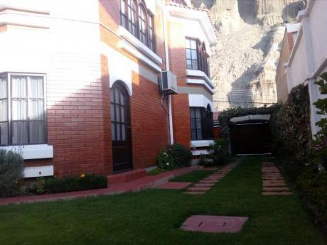 Confortable Casa En Venta - Achumani Calle 20