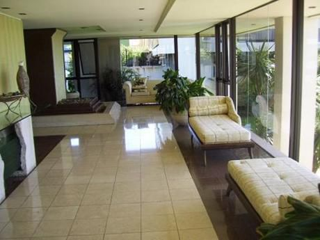 Apartamento En Alquiler 2 Dormitorios Con Garaje Sin Muebles