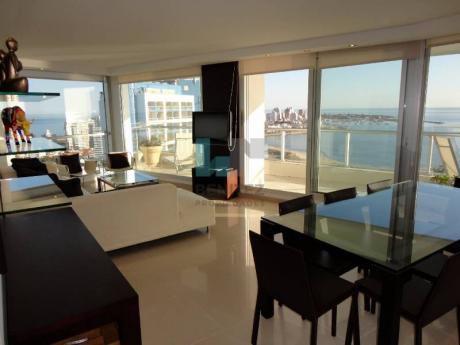 Seasons Tower. Apartamento De 3 Dormitorios + Dependencia En Venta. Playa Mansa, Punta Del Este. - Ref: 5385