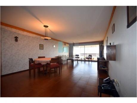 Inmensa Planta De 3 Dormitorios + Dependencia A La Mansa! Oportunidad! - Ref: 7186