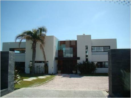 Casa En Venta En Punta Ballena - Ref: 7590