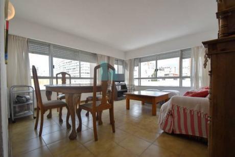 Torre Gattas. Apartamento De 2 Dormitorios En Venta. Inmejorable Ubicación Mansa Península. - Ref: 7918