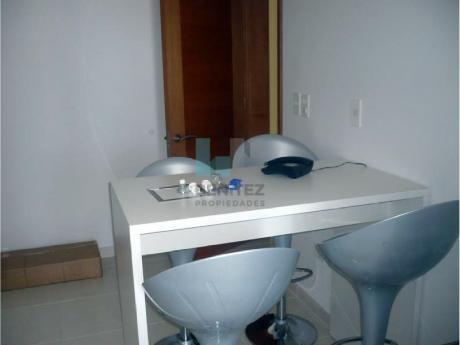 Seasons Tower En Venta De 3 Dormitorios. Excelente Apartamento Playa Mansa. Punta Del Este.