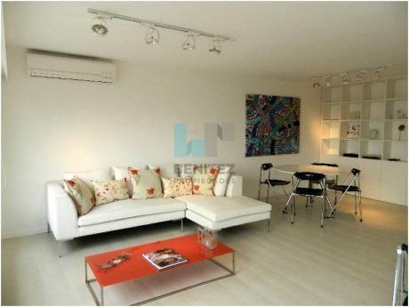 Espectacular Apartamento De 1 Dormitorio Y Medio Al Puerto En Venta. Peninsula, Punta Del Este.