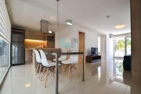 Gala Puerto. Excelente Apartamento En Venta De 1 Dormitorio + 2 Baños. Impecable! Puerto, Punta Del Este.