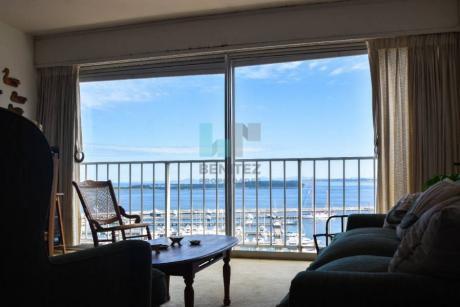 Vista Puerto, Impresionante! Apartamento En Venta De 2 Dormitorios En Zona Península. Punta Del Este.