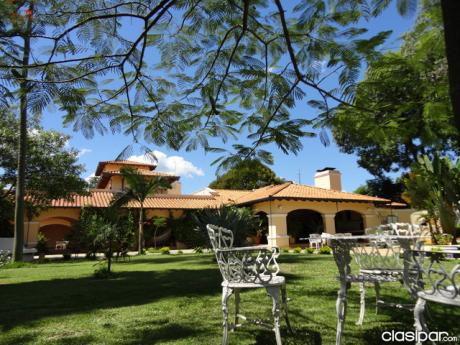 Casa Quinta Con Tinglado Y Oficinas En Limpio