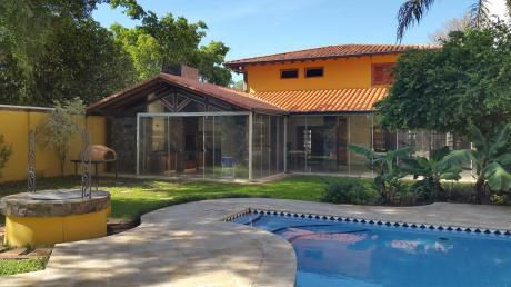 Alquiler Casa Barrio Herrera A Dos Cuadras De San Martin Gs.11.000.000.-