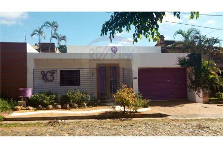 Hermosa Y CÁlida Casa En Pleno Barrio Carmelitas