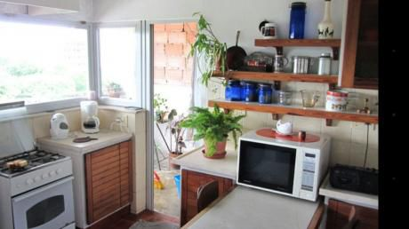 Se Vende Apartamento En Punta Carretas 4 Dormitorios 2 Baños Y Garaje
