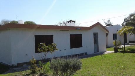 Dos Casas En El Mismo Padrón, Próximo A Servicios Venta El Pinar