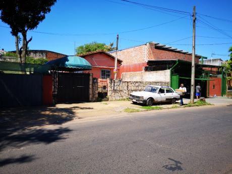 Vendo Terreno Con Casa A Demoler Zona Pozo Favorito Sobre Calle Asfaltada