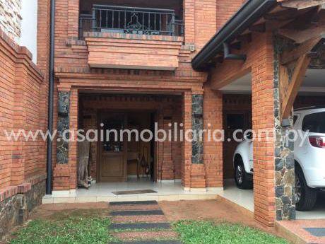 Casa Moderna Barrio Mburicao 4 Años De Construcción 3 Suites
