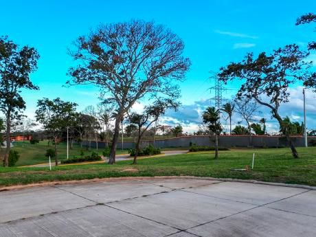 Urubó Golf - Espectacular Terreno En Venta