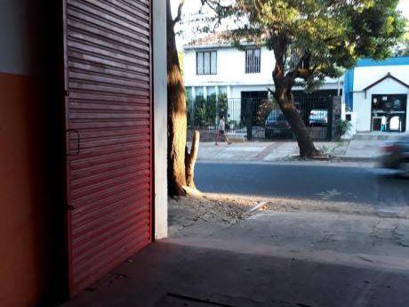 Deposito De 360m2 En Alquiler Zona Jose A. Flores Y General Santos.