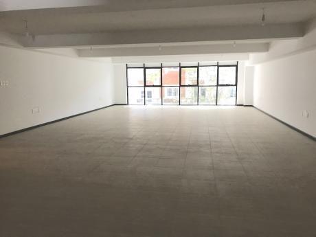 Alquiler Oficina A Estrenar  En El Centro