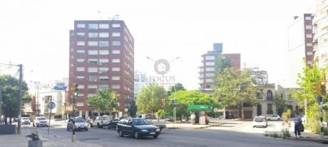 Venta Apartamento 1 Dormitorios Punta Carretas Con Amplio Patio.