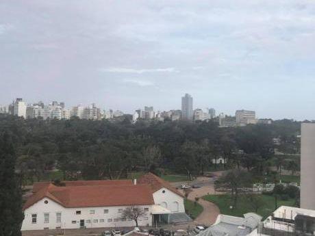 Parque Rodo Con Vista Al Parque Y Mar