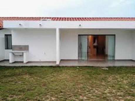 Casa En Condominio En Alquiler Anual.