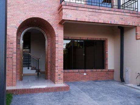 Vendo Duplex A Estrenar ( Villa Aurelia ) Con Patio Y Opcion De Piscina