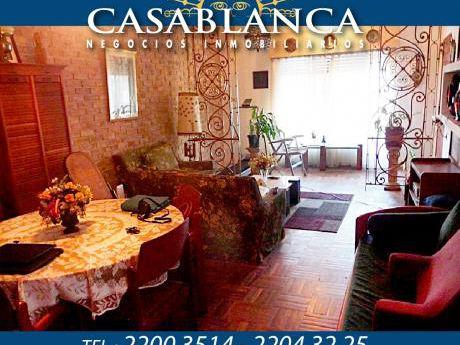 Casablanca - Sobre Avenida En Una Planta