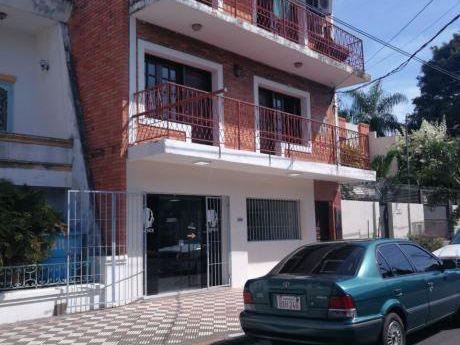 Tierra Inmobiliaria Alquila - Practico Departamento De 2 Dormitorios!