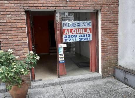Local Comercial Sobre Carlos Berg Esq. Obligado