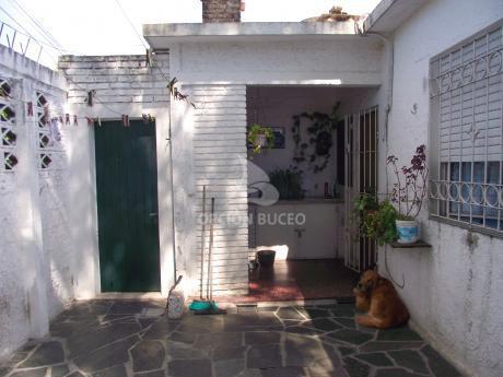 Casa A La Venta En Malvin Norte, 2 Dormitorios