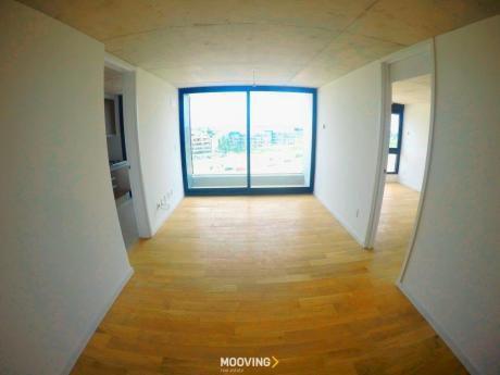 Apartamento Con Vista Al Lago Con Linea Blanca Y Aires!