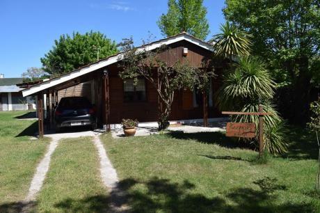 Casa 3 Dormitorios Y Doble Cochera En Parque De Solymar