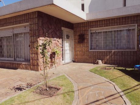 Venta – Casa – Parque Batlle – 3 Dormitorios – U77244 325.000